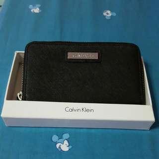 BN Authentic Calvin Klein Black Safiano Leather Zip Around Wrislet Wallet (Pending, Jerseylegend)