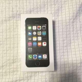 iPhone 5s S/GREY 16GB UNLOCKED