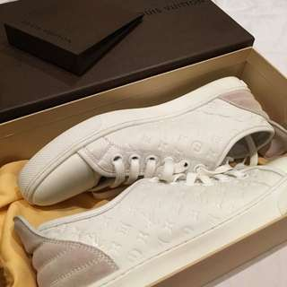 LV WOMENS FRONTROW SNEAKERS