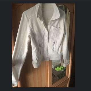 白色西裝外套