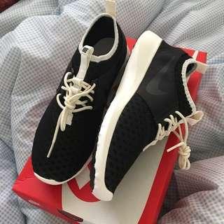Nike Rejuvenate