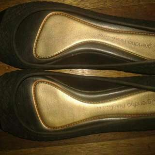2nd hand authentic Grendha Doll Shoes Size 7