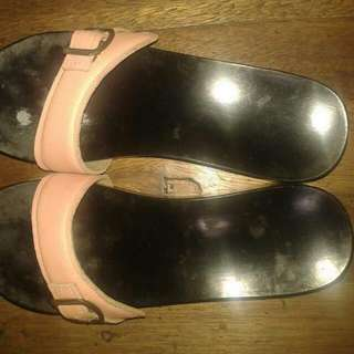 2nd hand authentic used happy feet sandals size 6