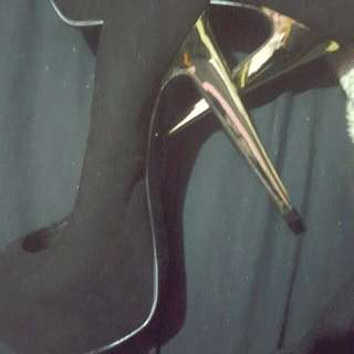 Emerson Size 5 Golden Heel