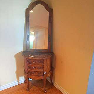 Beautiful Wooden Console And A Mirror