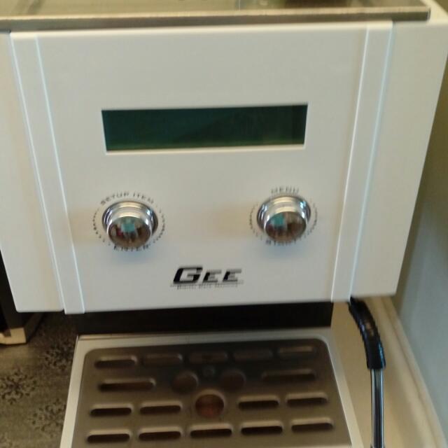 GEE 半自動咖啡機