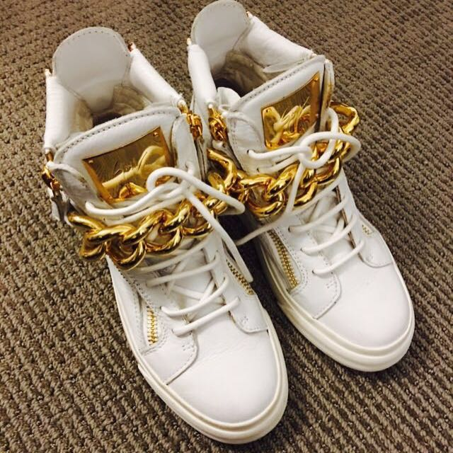 Giuseppe Zanotti High-Top sneaker With Gold Chain Size 35.5
