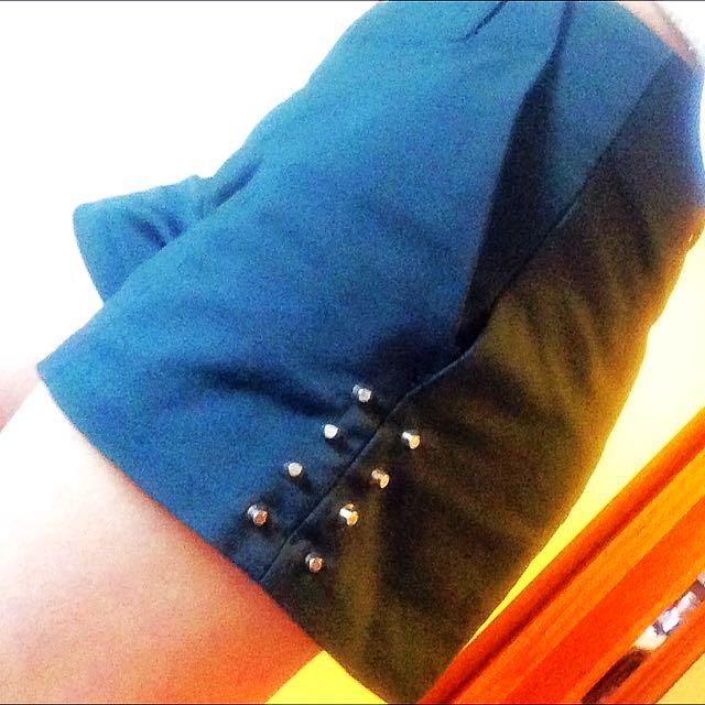 Sz 8 Green Studded Shorts