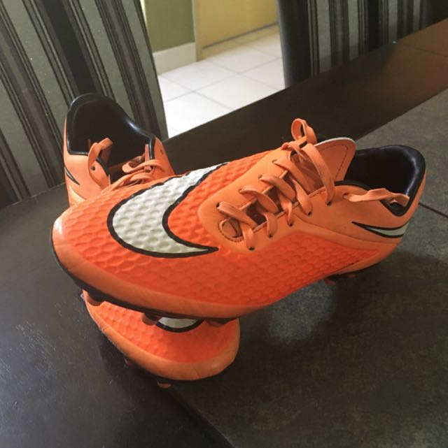a54fa9502b04 Hyper venom Boot, Sports, Athletic & Sports Clothing on Carousell