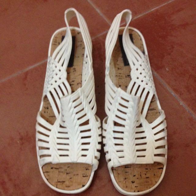 Sandak Sandals