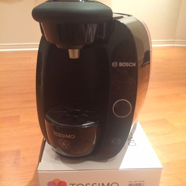 Tassimo Brewer & Coffee Pods