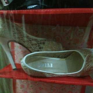 Sepatu higj hills . Import hongkong  Merk AJILI