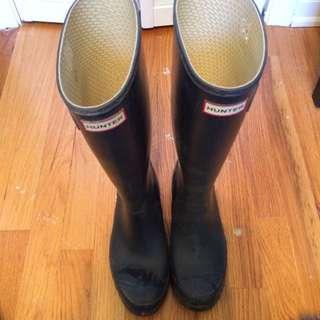 "-Pending Sale- Hunter ""Huntress"" Navy Matte Rain Boots Size 8"