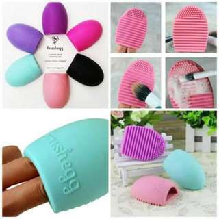 Brushegg Make Up Brush Cleaner