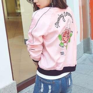 韓國🇰🇷刺繡短款橫須賀櫻花粉色玫瑰花夾克棒球服女外套實拍照加大尺碼