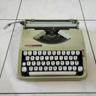 古董打字機 Hermes Rocket Typewriter