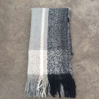 Chunky H&M scarf
