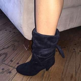 Size 7 Black Le Chateau Boots