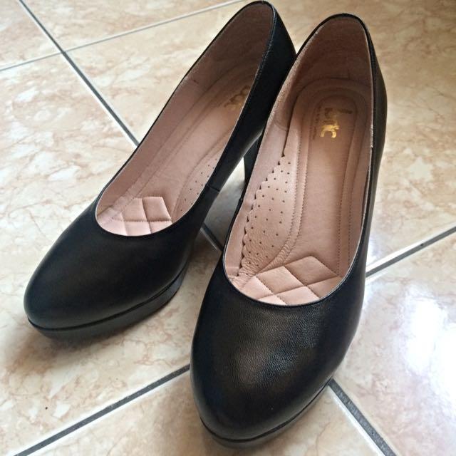 黑色小羊皮氣墊包鞋23.5號(6.5)