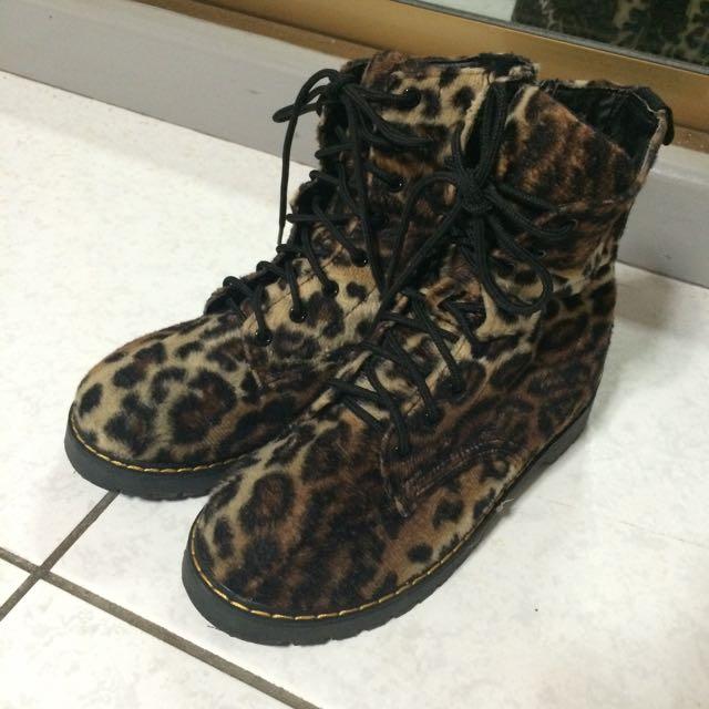 日本購入 類似馬汀 毛絨 豹紋 靴