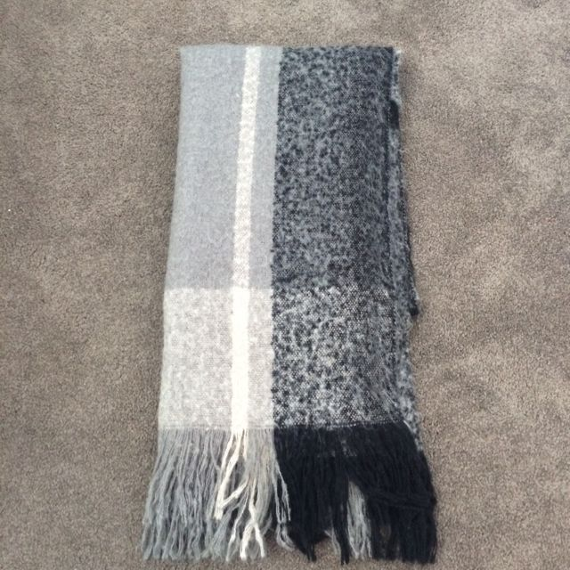 Chunky H&M scarf