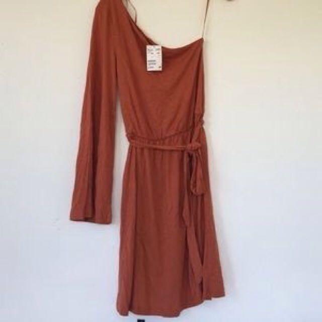 🚩H&M | One Shoulder Dress