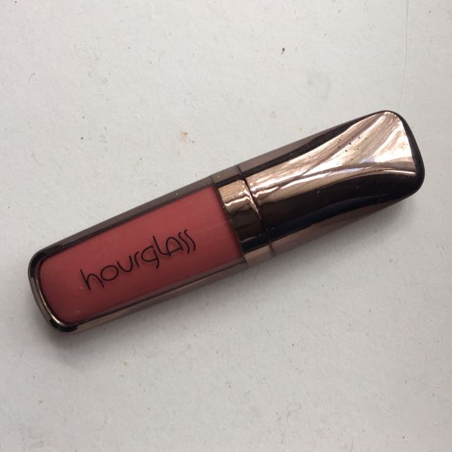 Hourglass Matte Liquid Lipstick in Rose