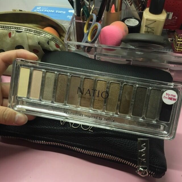 Natio Eyeshadow Palette