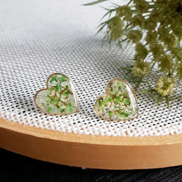 Ombre Green Real Dried Flowers Heart Shape Stud Earrings