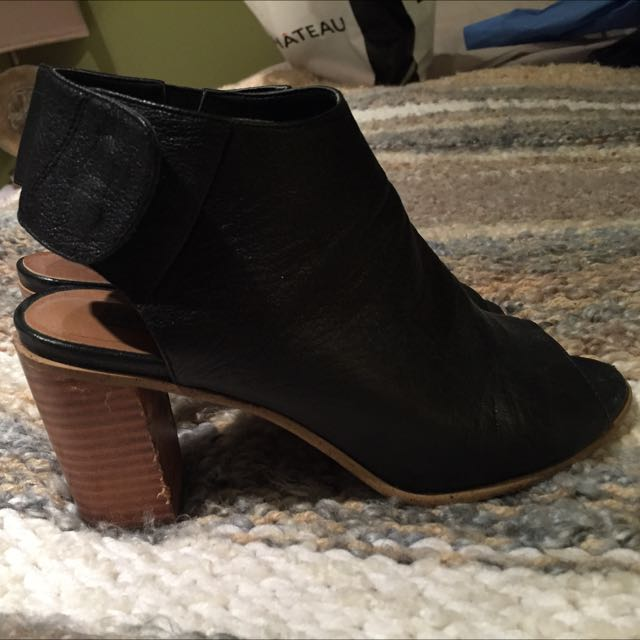 Steve Madden Nonstp Booties