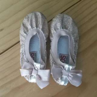 Cotton On Shoes Size 6