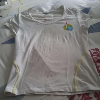 Baju Olahraga Elle Ori
