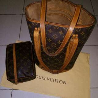 Authentic Louis Vuitton Gm Bucket Clutch Take All !!! What You See Is What You Get No Filter.. Looks Like New