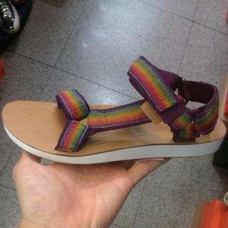 🚚 全新Teva 涼鞋
