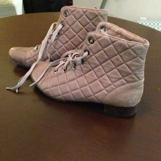 Quilted Booties 9.5