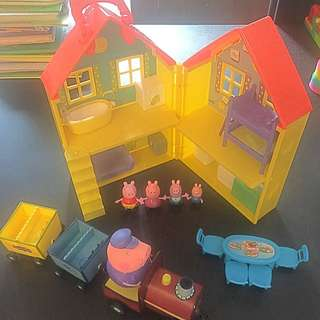 Peppa Pig Playhouse And Train Set
