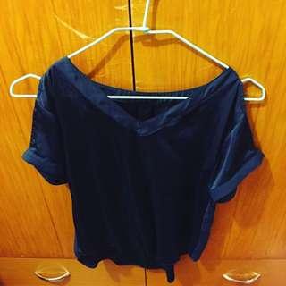 Jeanasis緞面藍色上衣
