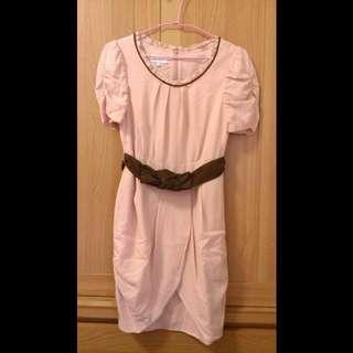 IRIS粉紅洋裝二手,M號,花瓣造型