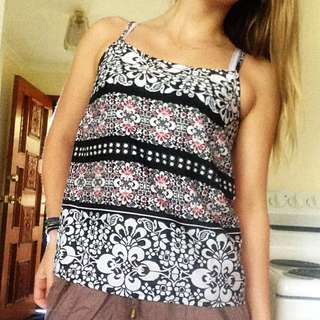 Sz6 Patterned Light Strappy Tank
