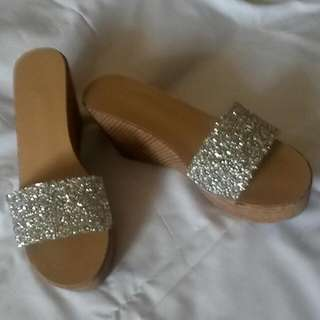 Preloved - Glamourous Wedges