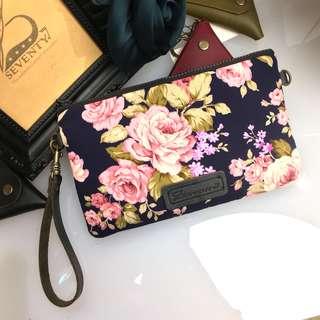 BAP 手拿包 筆袋 手機包 萬用包-深藍底玫瑰花