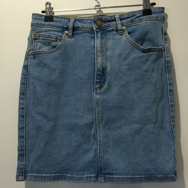 A Brand Sz 10 Denim Skirt