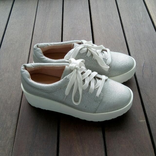 5d3d784cb71 Bershka Silver Platform Sneakers