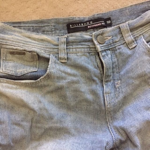 Billabong Boyfriend Jeans Size 10