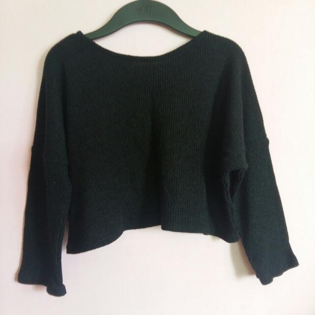 Black Longsleeve Crop Top