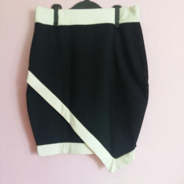 Black&White Overlap Skirt