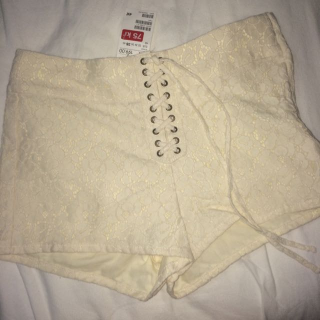 BNWT Lace Tie Up Floral Shorts
