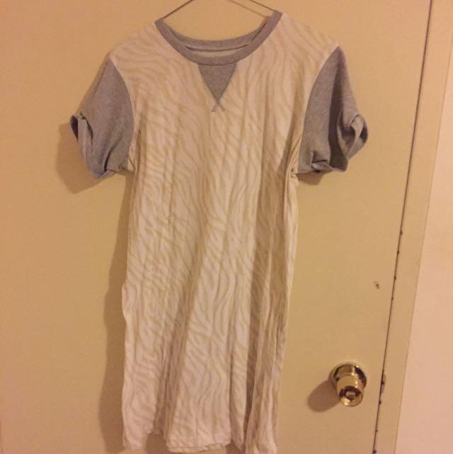 C&M T Shirt Dress Size 12 Au