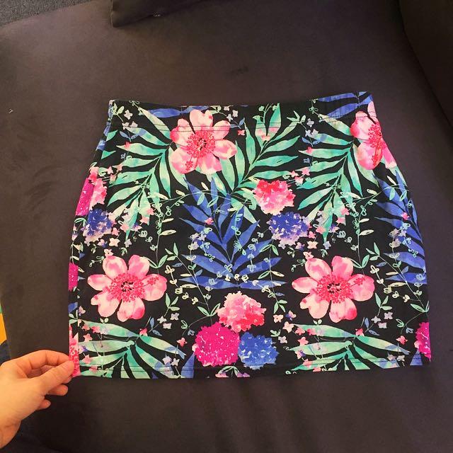 Factorie Flowery Skirt Size S