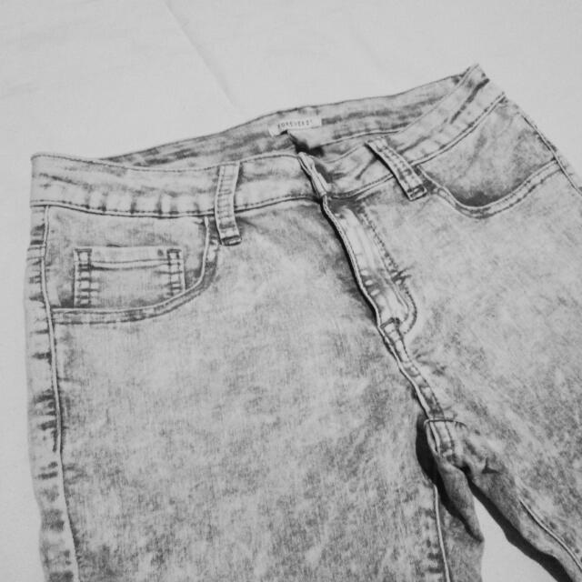 SALE! ₱50 OFF! Forever 21 Lightwashed Denim Jeans